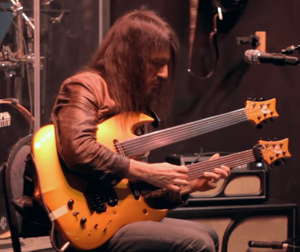 bumblefoot curled pinky