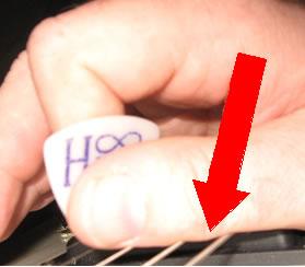 tom-hess-thumb-mute